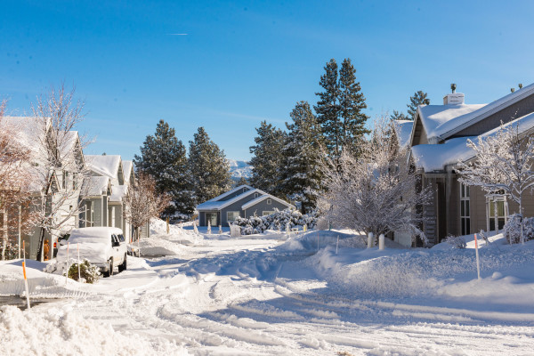 Truckee Riverfront Home near Squaw and Northstar